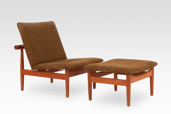 Finn Juhl  Japan chair Model FD 137 with footstool  France & Søn (1).jpg