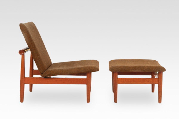 Finn Juhl  Japan chair Model FD 137 with footstool  France & Søn (2).jpg