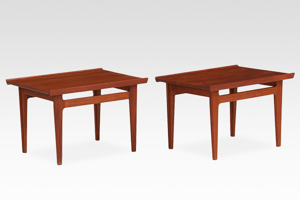 Finn Juhl  Sidetable FD-635  France & Son (1).jpg