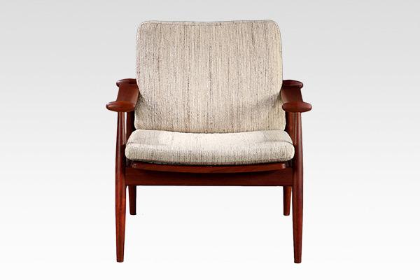 Finn Juhl  Spade chair. FD133  France & son (3).jpg