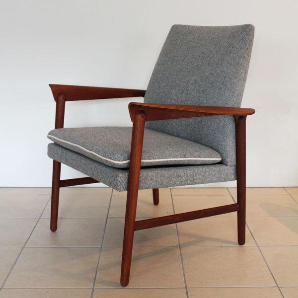 Finn Juhl Arm Chair  Fritz Hansen-02.jpg
