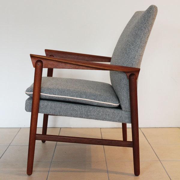Finn Juhl Arm Chair  Fritz Hansen-03.jpg