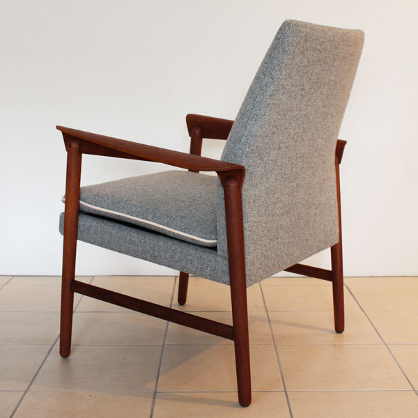 Finn Juhl Arm Chair  Fritz Hansen-04.jpg