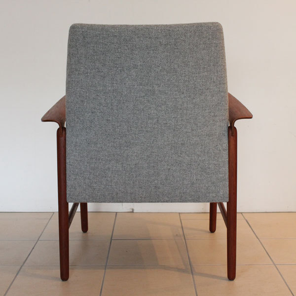 Finn Juhl Arm Chair  Fritz Hansen-05.jpg