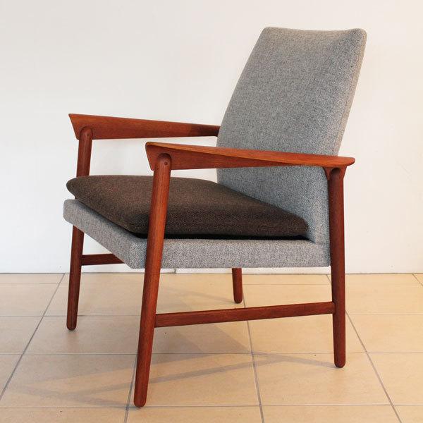 Finn Juhl Arm Chair  Fritz Hansen-06.jpg
