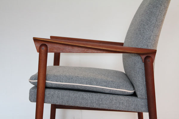 Finn Juhl Arm Chair  Fritz Hansen-08.jpg