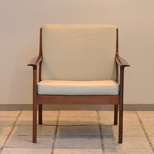 Fredrik Kayser  Easy chair .Model 935 .Rosewood  Vatne Mobler_2 (14).jpg