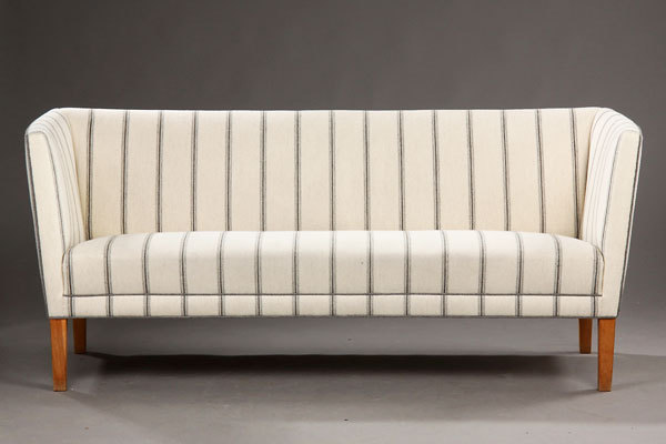 Grete-Jalk.-Three-seater.-sofa-02.jpg