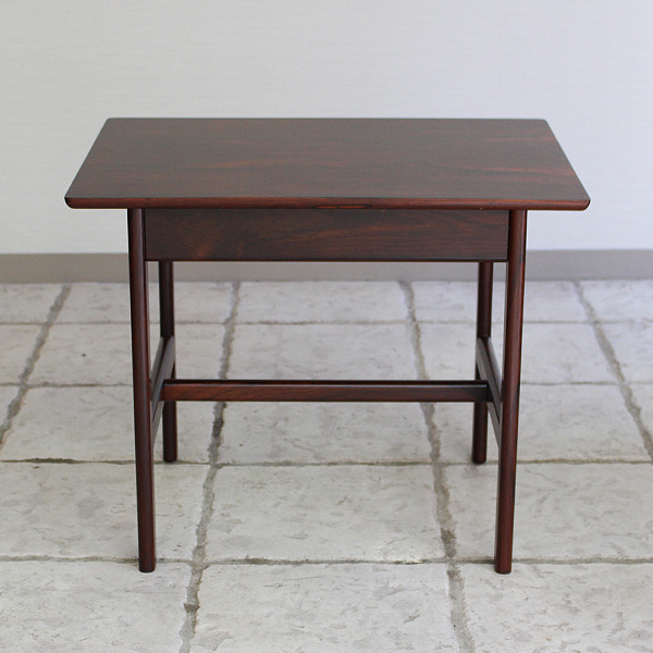 Grete Jalk  Side Table .Rosewood  P. Jeppesen (9).jpg