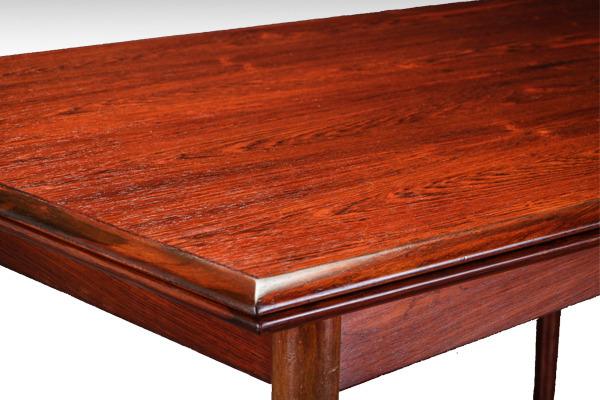 Gunni Oman. Spisebord af palisander med hollandsk udtræk-03.jpg