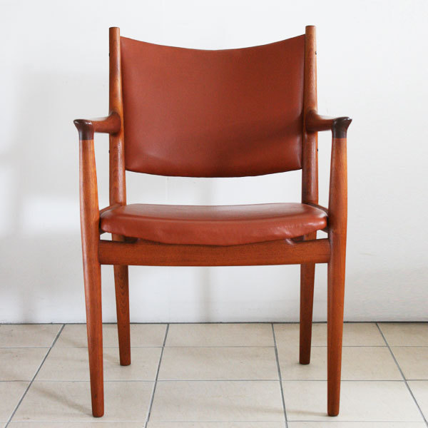 H.-J.-Wegner.-dining-Armchair-JH-509-02.jpg