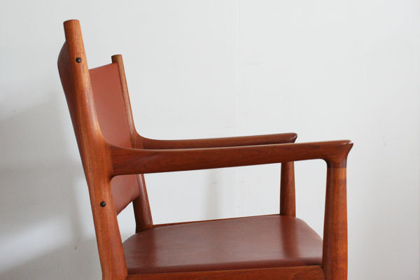 H.-J.-Wegner.-dining-Armchair-JH-509-05.jpg