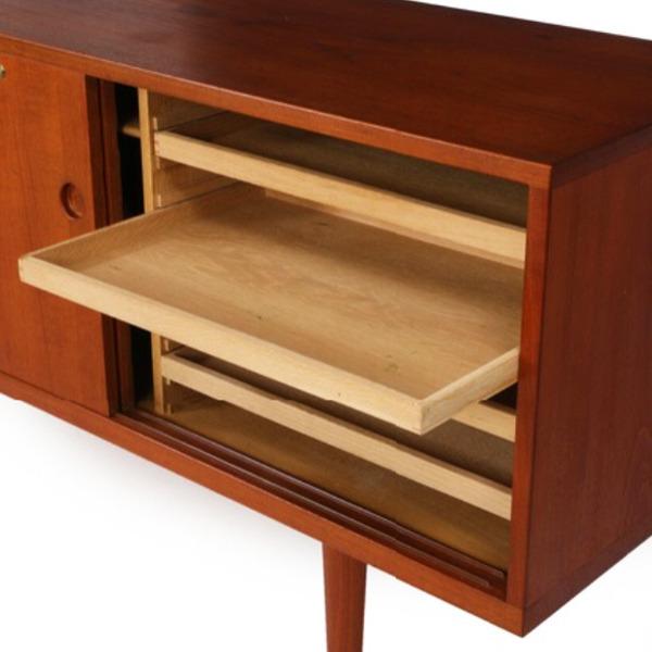 Hans-J-Wegner--sideboard.-RY26--teak-Ry-Mobler-07.jpg