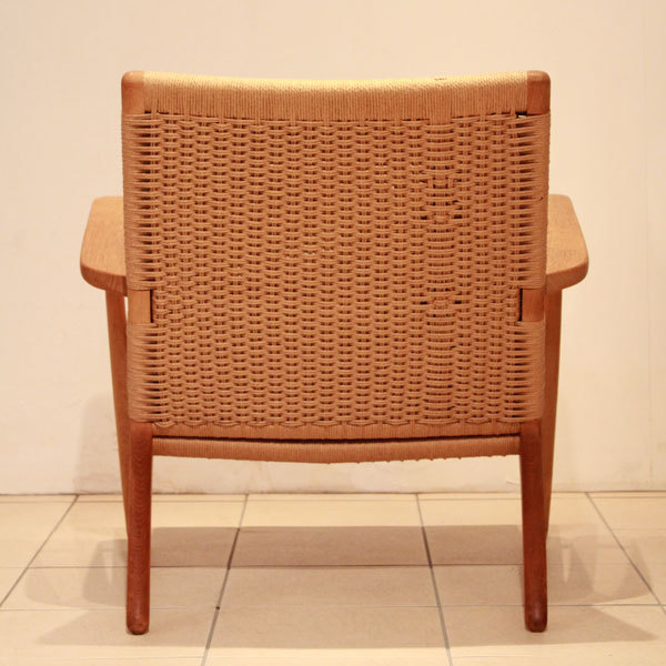 Hans-J.-Wegner-Easy-chair-CH25-05.jpg
