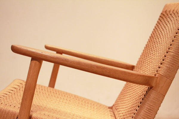 Hans-J.-Wegner-Easy-chair-CH25-09.jpg