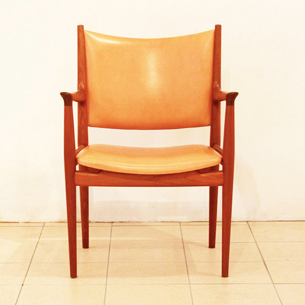Hans-J.-Wegner--Armchair.-JH-713--Johannes-Hansen-02.jpg