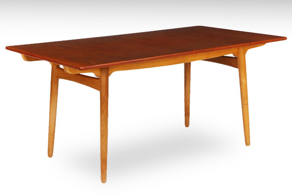Hans-J.-Wegner--Dining-table.-AT-310-teak&oak--Andreas-Tuck-01.jpg
