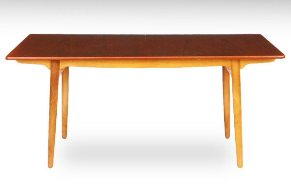 Hans-J.-Wegner--Dining-table.-AT-310-teak&oak--Andreas-Tuck-02.jpg