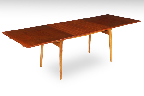 Hans-J.-Wegner--Dining-table.-AT-310-teak&oak--Andreas-Tuck-03.jpg