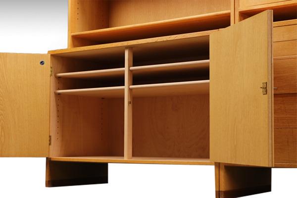 Hans-J.-Wegner--System-board.Teak--Ry-Mobler-03.jpg