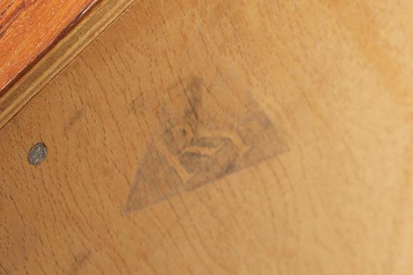 Hans-J.-Wegner-Sideboard.-RY20.-Teak-Ry-Mobler-04.jpg