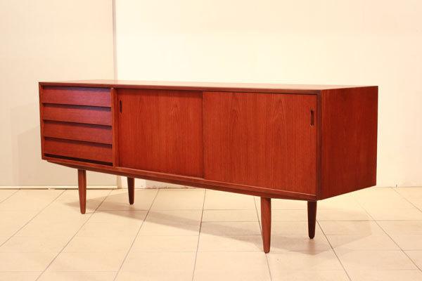 Hans-Olsen--Sideboard-01.jpg