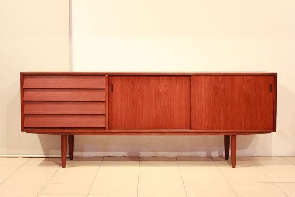 Hans-Olsen--Sideboard-02.jpg