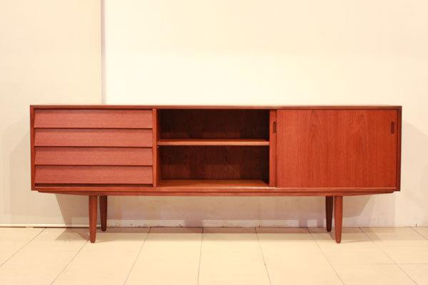 Hans-Olsen--Sideboard-03.jpg