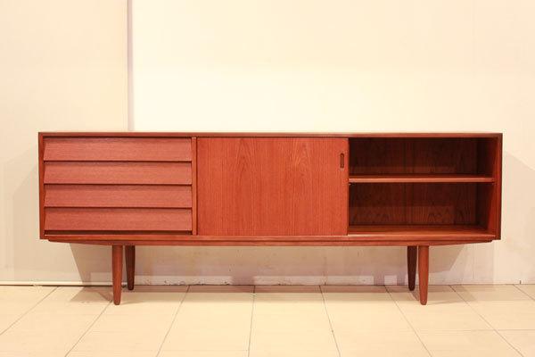 Hans-Olsen--Sideboard-04.jpg