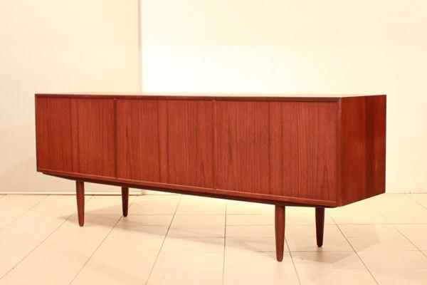 Hans-Olsen--Sideboard-05.jpg