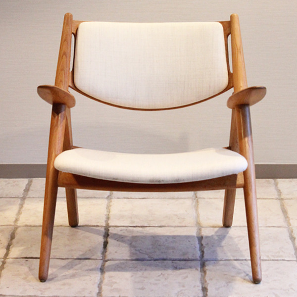 Hans. J. Wegner  Easy chair. CH-28  Carl Hansen & Son-03.jpg