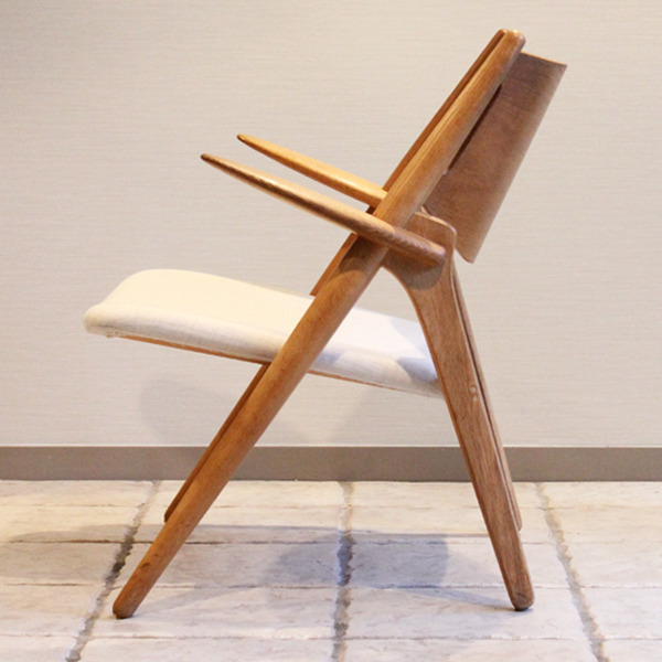 Hans. J. Wegner  Easy chair. CH-28  Carl Hansen & Son-04.jpg