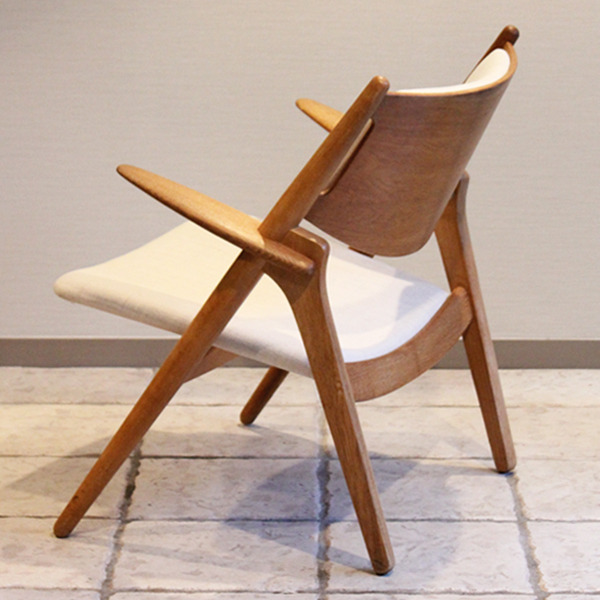 Hans. J. Wegner  Easy chair. CH-28  Carl Hansen & Son-05.jpg
