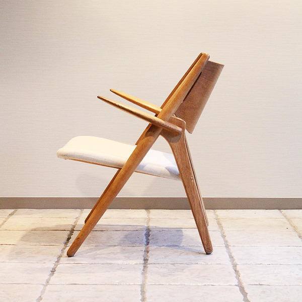 Hans. J. Wegner  Easy chair. CH-28  Carl Hansen & Son (3).jpg