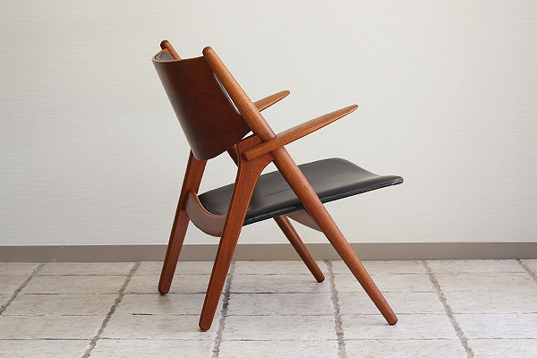 Hans. J. Wegner  Easy chair.CH-28 teak  Carl Hansen & Son (11).jpg