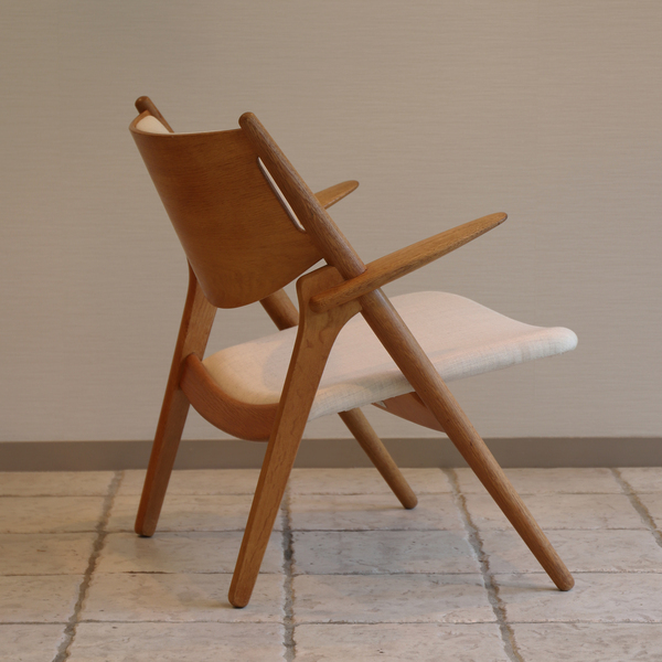 Hans. J. Wegner  Easy chair.CH-28 teak  Carl Hansen & Son (1).jpg