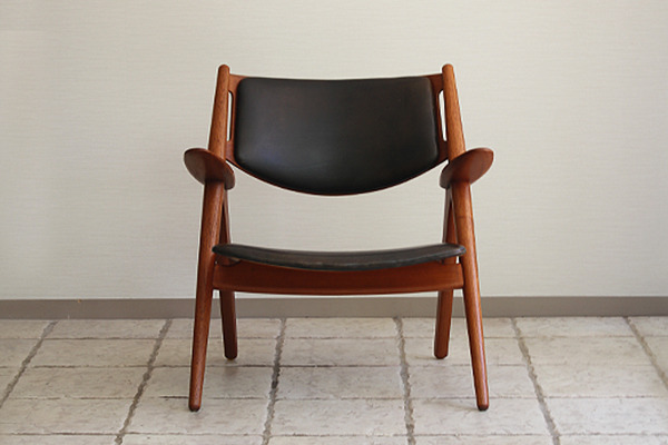 Hans. J. Wegner  Easy chair.CH-28 teak  Carl Hansen & Son (13).jpg