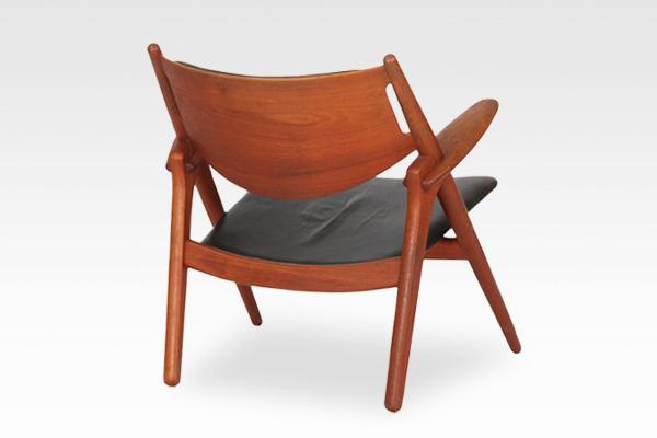 Hans. J. Wegner  Easy chair.CH-28 teak  Carl Hansen & Son (13).jpg