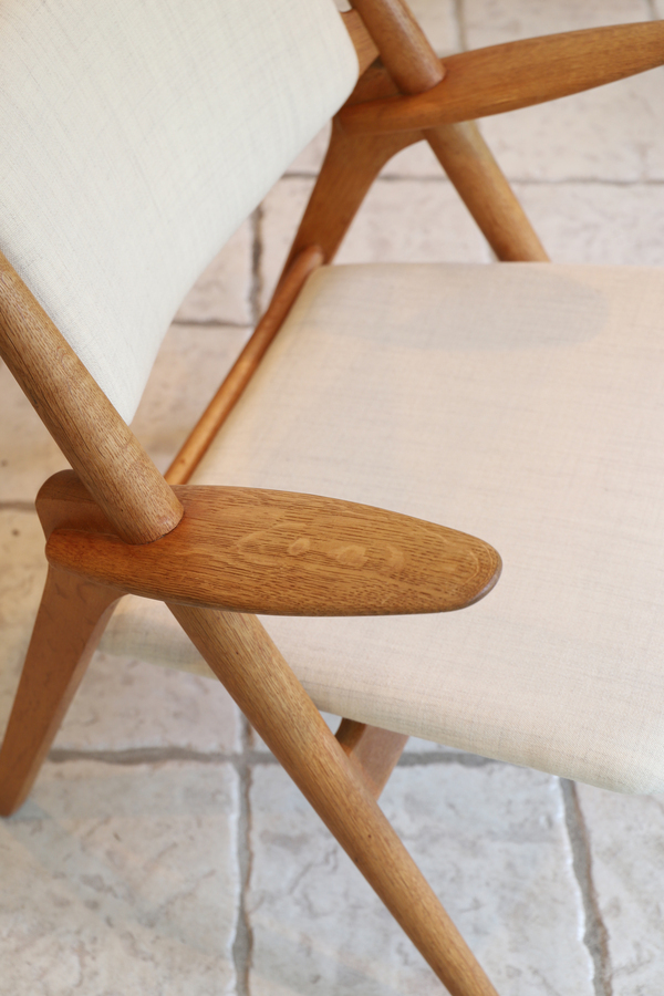 Hans. J. Wegner  Easy chair.CH-28 teak  Carl Hansen & Son (3).jpg