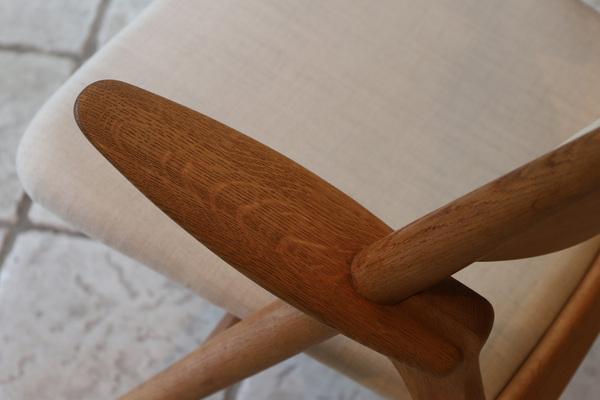 Hans. J. Wegner  Easy chair.CH-28 teak  Carl Hansen & Son (4).jpg