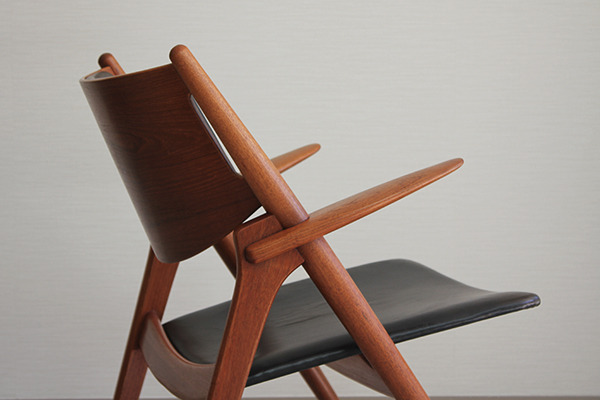 Hans. J. Wegner  Easy chair.CH-28 teak  Carl Hansen & Son (5).jpg