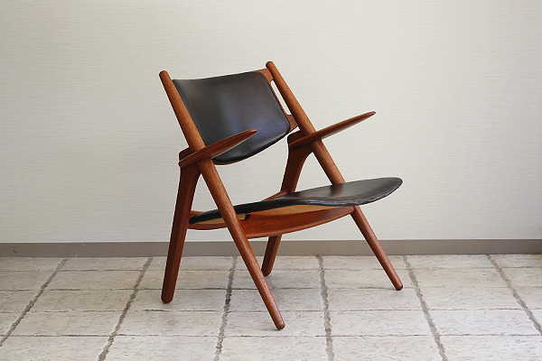 Hans. J. Wegner  Easy chair.CH-28 teak  Carl Hansen & Son (8).jpg