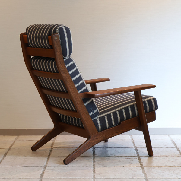 Hans. J. Wegner  High back easy chair. GE-290A GETAMA (3).jpg