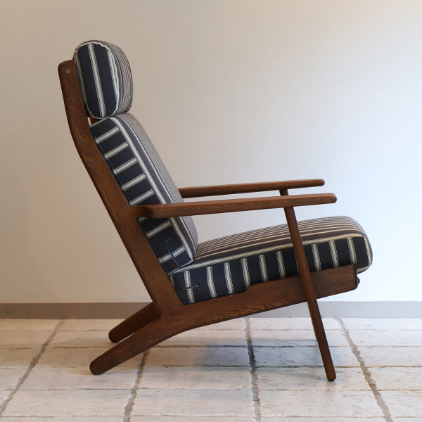 Hans. J. Wegner  High back easy chair. GE-290A GETAMA (4).jpg