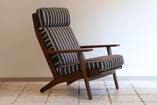 Hans. J. Wegner  High back easy chair. GE-290A GETAMA (5).jpg