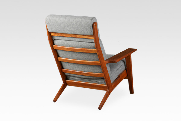 Hans. J. Wegner  High back easy chair. GE-290A Teak  GETAMA (2).jpg