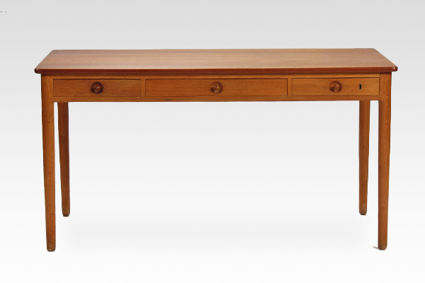 Hans J. Wegner.  Desk. AT-305  Andreas Tuck (2).jpg