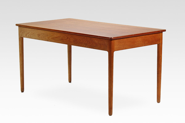 Hans J. Wegner.  Desk. AT-305  Andreas Tuck (4).jpg
