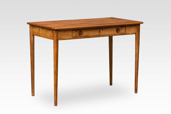 Hans J. Wegner.  Small Desk. RY32  Ry Mobler (1).jpg