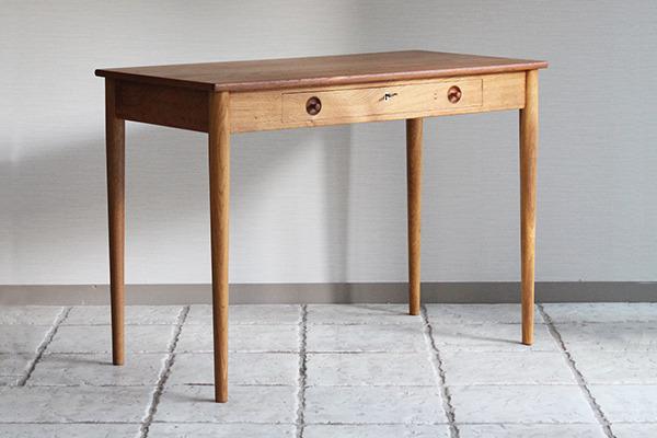 Hans J. Wegner.  Small Desk. RY32  Ry Mobler (8).jpg